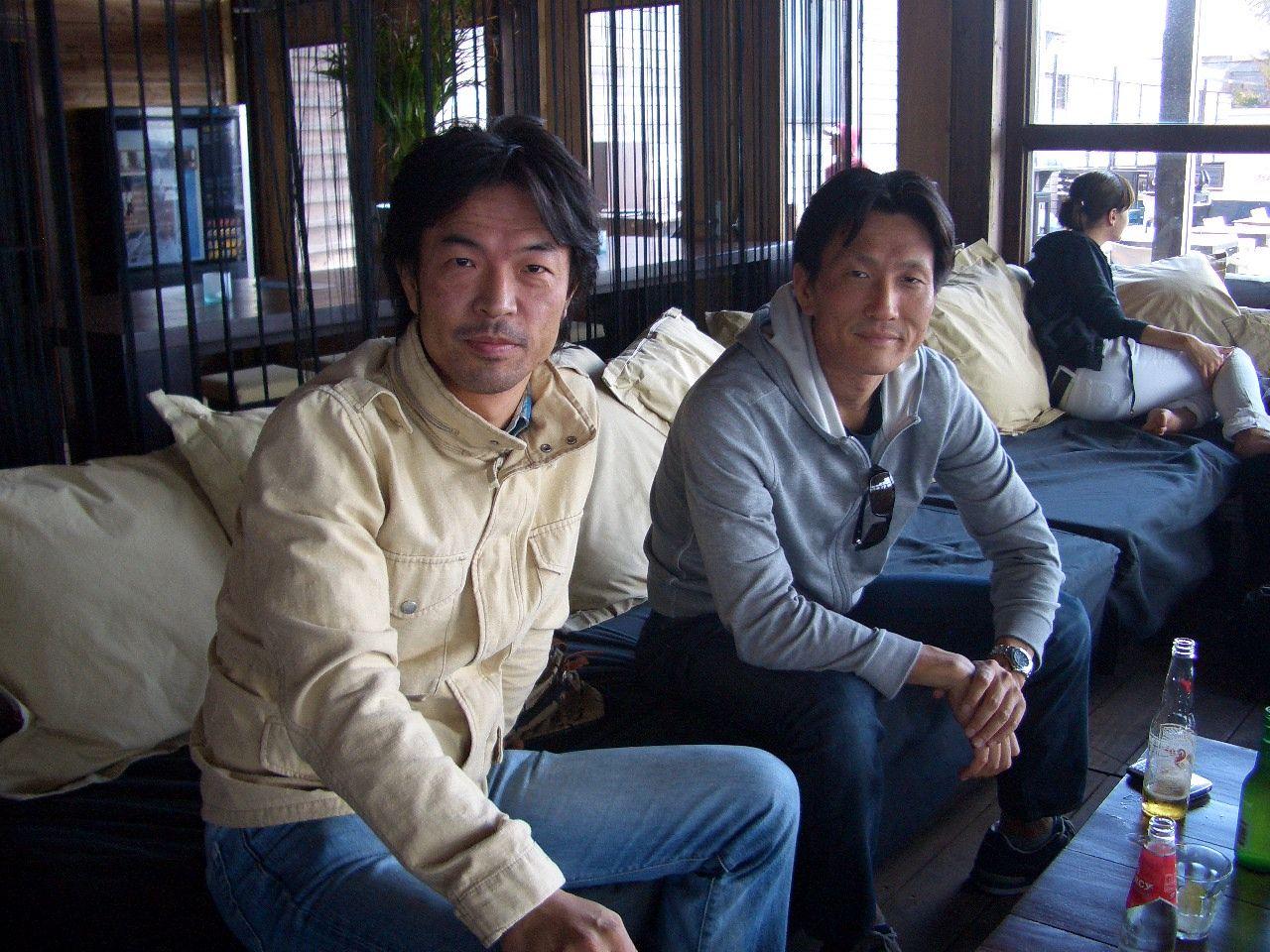 左はエルゼビア・オランダ本社に「栄転」した友人、足立泰とオランダで・2010年撮